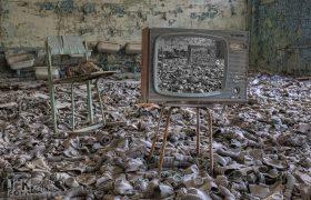Tsjernobyl 11 Televisie met gasmaskers